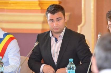 Glad Varga afirmă că senatorul Fifor încearcă să profite de nereuşita unor elevi la Bacalaureat