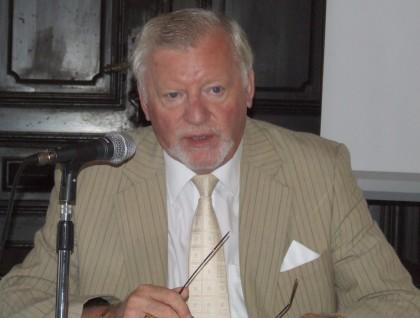 Cum a scăpat Aurel Ardelean, preşedintele UVVG Arad, de acuzaţia de plagiat