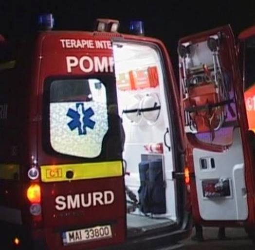 UN AUTOBUZ cu 40 de călători, implicat într-un ACCIDENT MORTAL
