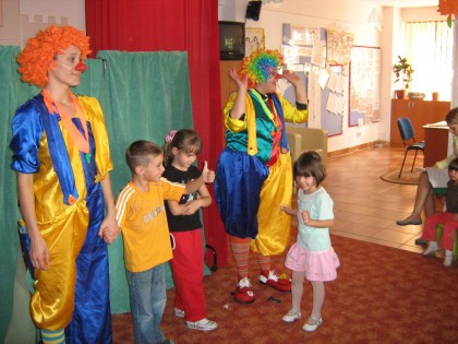 Alarmant: Teatrul de Marionete este în prag de colaps din cauza spectacolelor organizate în grădiniţe!