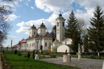 Vezi aici programul Slujbelor din Săptămâna Patimilor, la Mănăstirea Hodoș – Bodrog