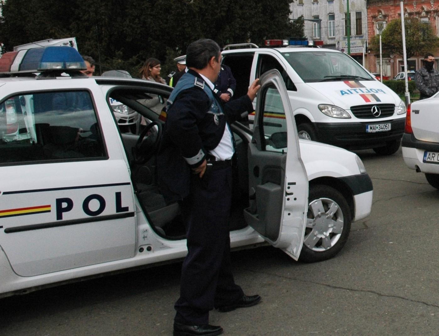Acţiune de amploare a IPJ Arad: 24 de DOSARE PENALE şi sute de alte sancţiuni aplicate de poliţişti