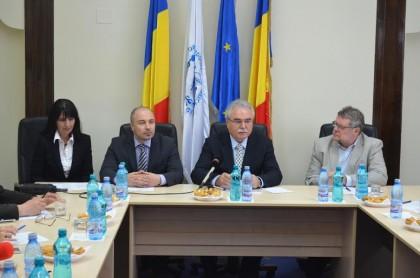 Traian Băsescu va participa, la Arad, la o dezbatere pe teme economice şi de educaţie