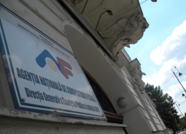 Multe firme SCAPĂ de popririle ANAF. Se modifică plafonul de BLOCARE a CONTURILOR persoanelor fizice și juridice