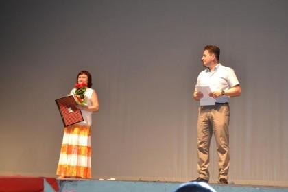 Gala Actorului Arădean: Opt actori au fost recompensaţi pentru performanţele lor (VEZI FOTO)