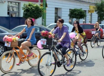 Cochetărie pe două roţi: Arădencele sunt invitate la o promenadă pe biciclete!