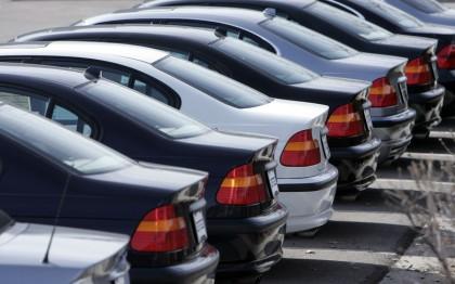 Nereguli la service-uri, vulcanizări şi spălătorii auto, depistate de inspectorii de muncă arădeni