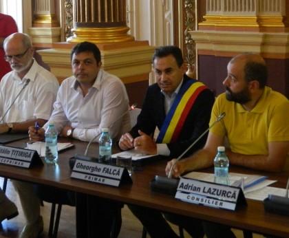 Pace în CLM: canicula și lipsa Opoziției au asigurat un vot fără probleme