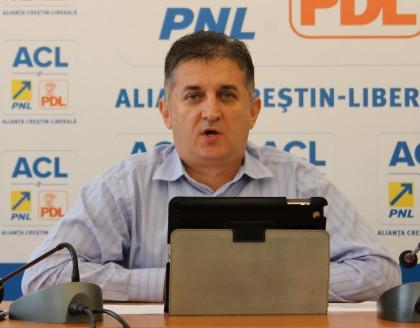 """Deputatul Eusebiu Pistru: """"Guvernul Ponta lucrează cu jumătăți de măsură când vine vorba de infrastructură"""""""