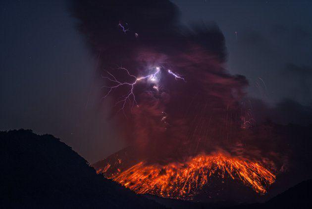 NEWS ALERT/ Vulcanul de sub lacul Sfânta Ana ERUPE după 30.000 de ani! Magma FIERBE