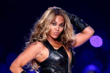 Hackerii ATACĂ din nou: Au spart mailurile vedetelor Adele şi Beyonce