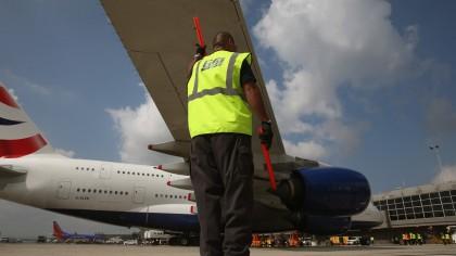 Investiţii în Aeroportul Internaţional Arad: Va fi modernizat balizajul axial al pistei