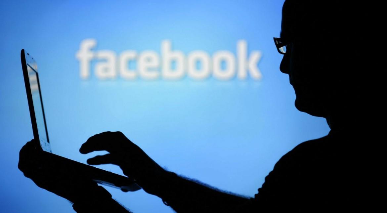 Arădean AMENDAT de POLIȚIȘTI în urma unei postări pe Facebook