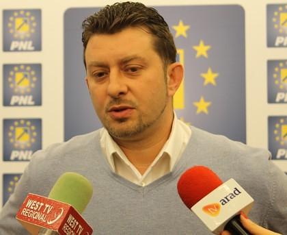 """Călin Abrudan, candidat la şefia PNL Arad: """"Să terminăm cu dictatura din partid"""""""