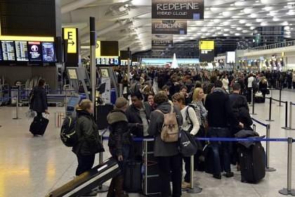 DEZASTRU pentru 30 000 de pasageri! Cea mai mare companie aeriană low-cost din Europa a ANULAT peste 200 de ZBORURI