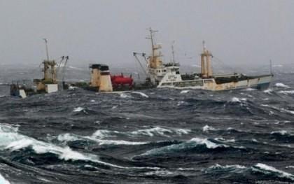 TRAGEDIE pe mare! Cel puțin 43 DE MORȚI