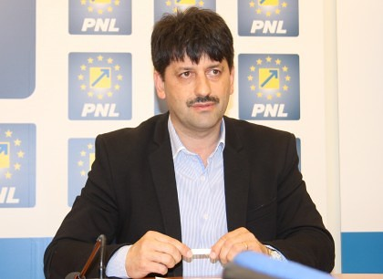 """Petru Antal: """"Filiala PNL Pecica susţine listele pentru alegerile parlamentare"""""""