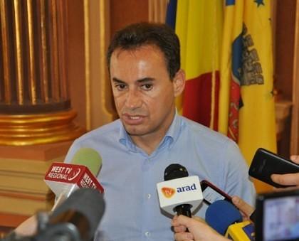 Falcă a revenit la Arad cu poftă de lucru: Ce planuri are cu Ştrandul sau cu Casa de Cultură a Sindicatelor