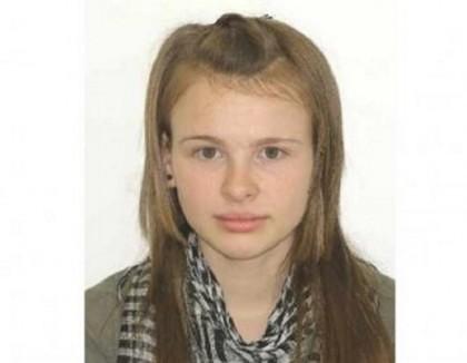 Autorităţile sunt în ALERTĂ: A DISPĂRUT o tânără de 16 ani