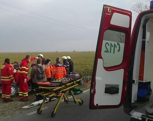 ACCIDENT pe drumul Arad – Oradea! Traficul rutier, BLOCAT pe ambele sensuri. UPDATE: A fost solicitat elicopterul SMURD