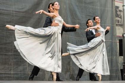 SENZAŢIONAL/ Crema Baletului Operei de Stat din Viena i-a ÎNCÂNTAT pe arădeni (GALERIE FOTO)