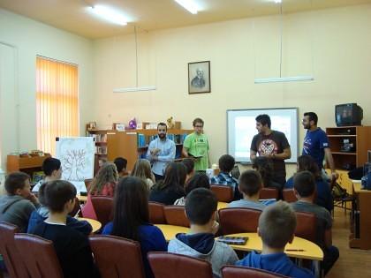 """""""Youth for Life, Partners for Education"""" – proiect de voluntariat cu tineri şi copii de la Şcoala Gimnazială """"Iosif Moldovan"""" Arad"""