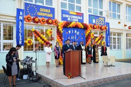Gheorghe Falcă a participat la festivităţile de deschidere a noului an şcolar