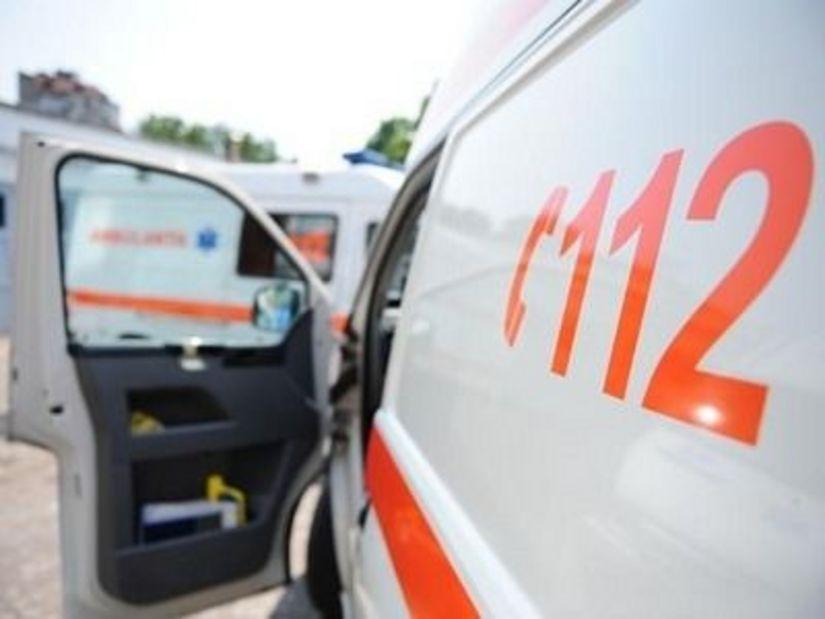 Accident pe CENTURĂ: Două persoane au ajuns la spital (GALERIE FOTO)