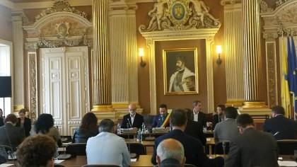 SCANDAL la şedinţa Consiliului Local! Falcă L-A DAT AFARĂ din sală pe Marin Lupaş
