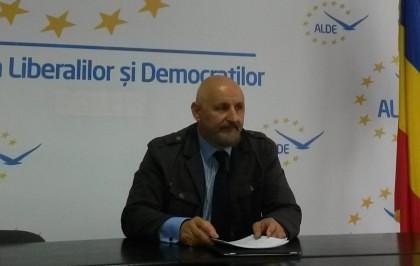 """Mircea Purcaru: Nu mai există PNL, ci """"Partidul Falcă"""""""