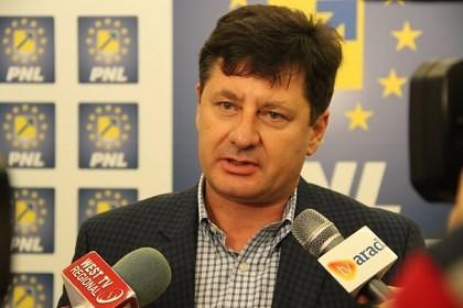 """Iustin Cionca: """"Scurt bilanț negativ al celor patru ani cu Ponta premier"""""""
