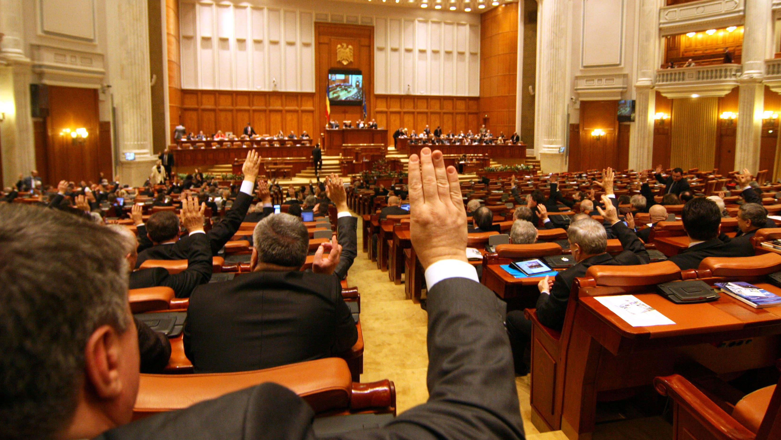 PSD pierde tot mai mult teren. Un alt partid câștigă încrederea românilor