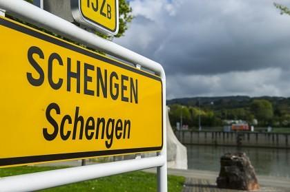 Adio SCHENGEN! Acordul european, ÎN PERICOL. Descentralizare parţială a UE