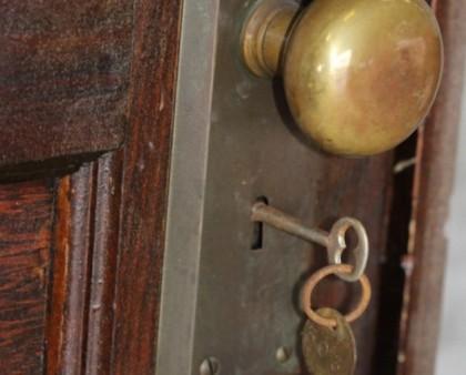FOTO/ Acest apartament a fost ABANDONAT timp de 70 DE ANI! Ce se ASCUNDEA înăuntru este ULUITOR