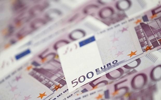 Cum câştigă un ARĂDEAN CELEBRU câteva MII DE EURO pe lună