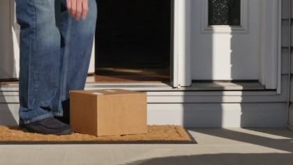 A comandat pe Internet, însă, A AVUT PARTE DE UN ȘOC în momentul în care COLETUL A ÎNCEPUT SĂ SE MIȘTE. Ce i-au trimis în pachet! (FOTO)