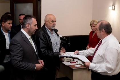 Samuel Caba şi-a depus candidatura la funcţia de primar, alături de candidaţii PMP la CLM