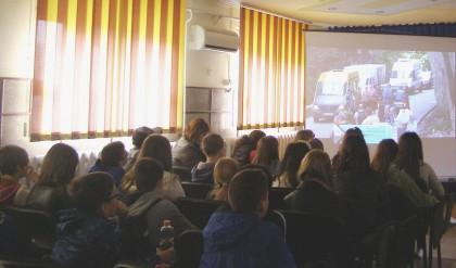 """""""Copilărie și adolescență fără griji"""" – campanie de prevenire și combatere a faptelor antisociale, desfășurată de jandarmii arădeni"""
