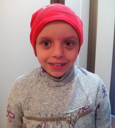 Să o ajutăm pe Gabi! O fetiță de numai opt ani, bolnavă de leucemie