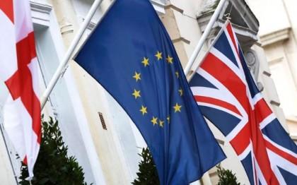 Peste UN MILION de britanici REGRETĂ că au votat pentru BREXIT