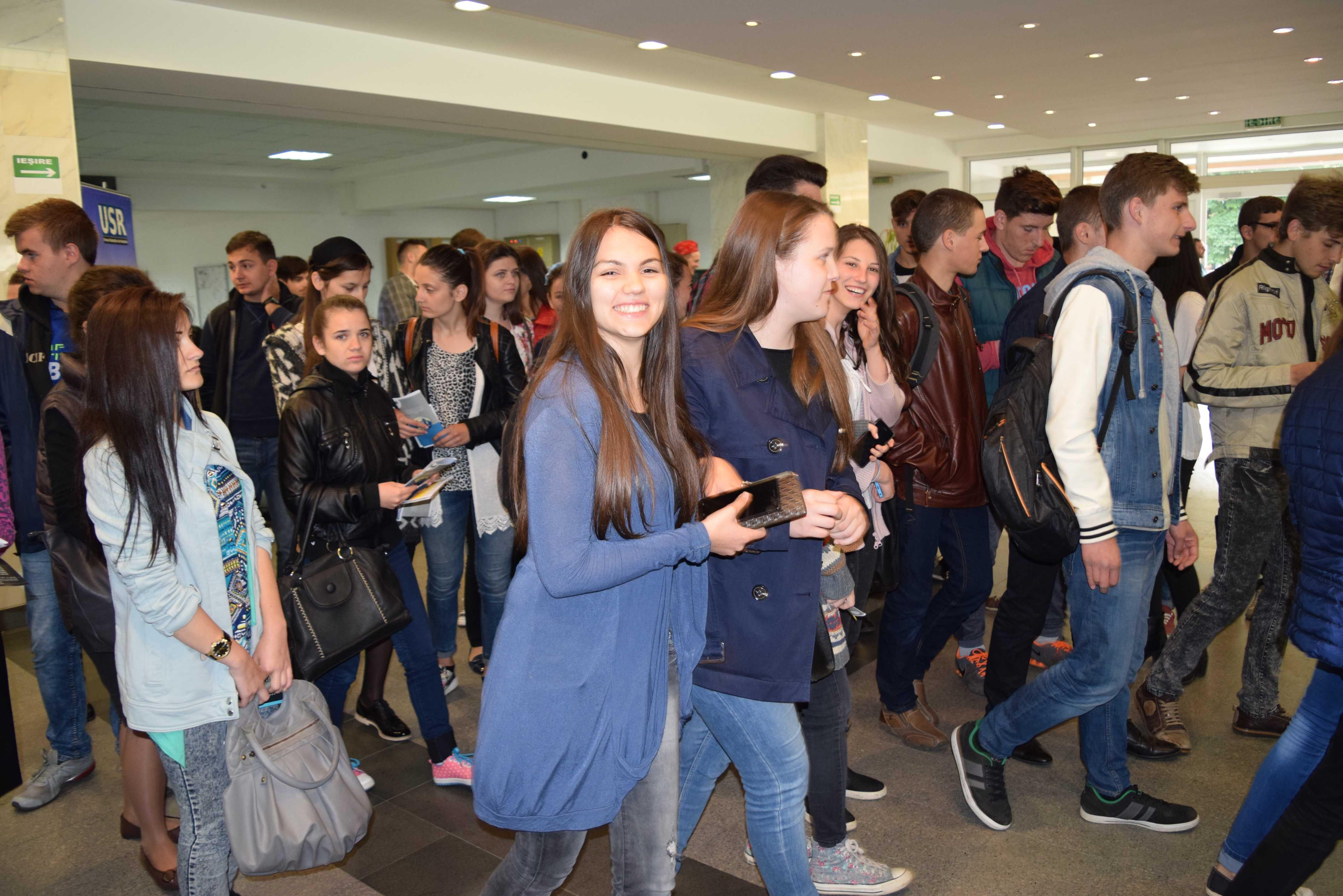 Veste URIAȘĂ pentru elevi: Toți vor beneficia de această GRATUITATE