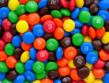 Comercializarea BOMBOANELOR de ciocolată M&M's, INTERZISĂ!