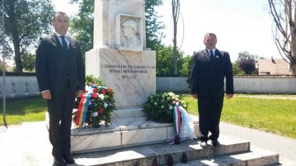 Eroii români, comemoraţi la Debrecen și Hajdúböszörmeny, în Ungaria (FOTO)