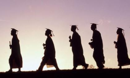 Studiu APC: 80% din absolvenții de facultăți din România profesează în alte domenii decât cele pentru care s-au pregătit