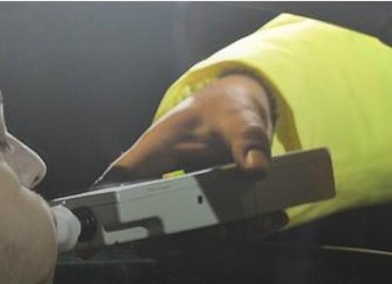 PERICOL pe șosele: O FEMEIE și un BĂRBAT au fost depistați în trafic cu ALCOOLEMII de peste 1‰