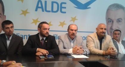 """Calimente: """"Toată lumea normală ştie că Aradul este judeţul cel mai bolnav din România"""""""