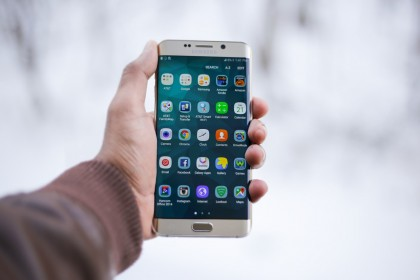 """Suma COLOSALĂ pierdută de Samsung Electronics din cauza """"BOMBEI"""" Note 7"""