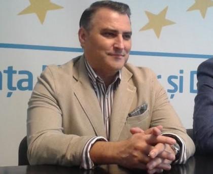 """ALDE: """"Anual părăsesc România persoane extrem de capabile"""""""