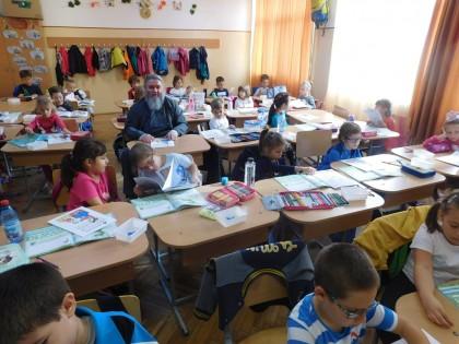 """Bucurie pentru copiii de la Colegiul Naţional """"Vasile Goldiş"""""""