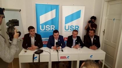 """Nicușor Dan: """"Nu vom negocia cu alte partide care vor susține guvernul Cioloș"""""""